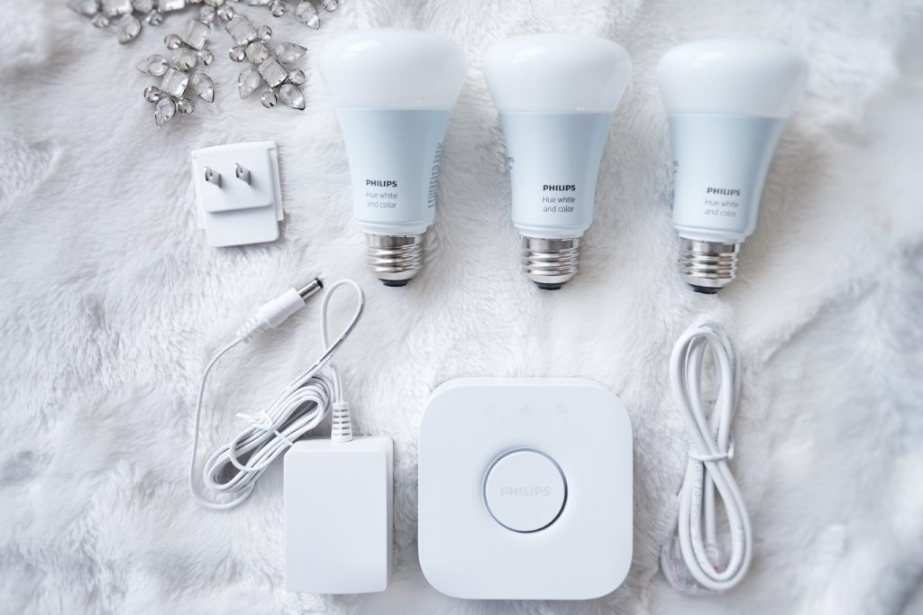 Drea is loving tech and her latest, greatest find are the Philips Hue bulbs. Thanks Cyber Monday. Click over to find out why.